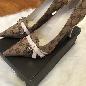 Gucci Shoes - Gucci Pointed Pumps